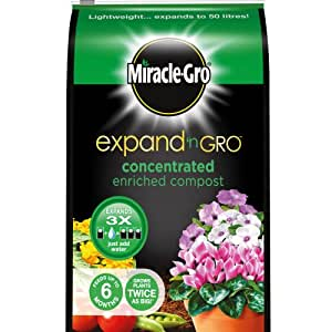 Scotts Miracle-Gro Expand 'n Gro Concentrated Enriched Compost Bag, 17 L (Expands Up to 50 L)