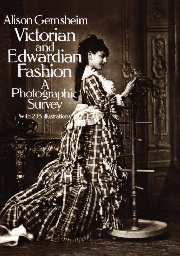 Victorian and Edwardian Fashion: A Photographic Survey (Dover -