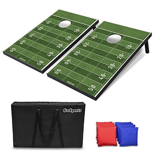 GoSports Classic Cornhole Set - inkl. 8 Sitzsäcke + Reisetasche und Spielregeln (wählen Sie zwischen amerikanischer Flagge, Fußball, rustikale und Klassische Designs), Football