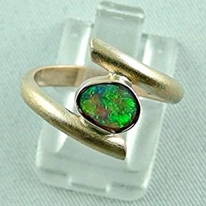 Goldring mit Top GEM Black Crystal Opal 0,67 ct
