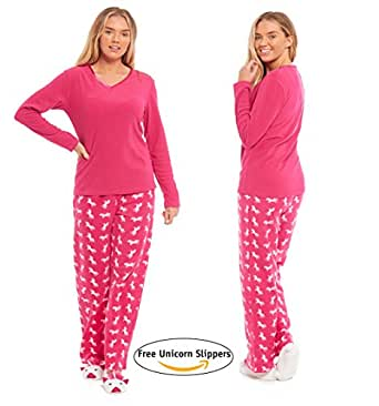 A man can never have too many pyjamas; not only for nightwear but also cosy loungewear for lazy weekends! Shop Matalan's range of men's nightwear now. Pyjama Sets (22) Pyjama Bottoms (16) Dressing Gowns (9) Pyjama Tops (9) Mules (8) Full Slippers (7) Slipper Boots (3) Moccasins (2) Moccassins (2) show more.