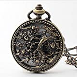 Questo orologio da tasca è realizzato in lega di alta qualità con squisito intaglio, che è durevole e alla moda. Questo classico orologio da taschino tondo con squisita scultura, che può essere anche un bel regalo per il tuo aman...