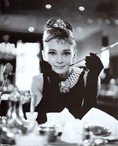 Audrey Hepburn (Breakfast at Tiffany\'s) Poster Format B X H : 50 x 40 cm