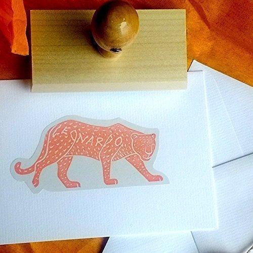 Personalisierter Stempel mit Leopard-Motive - Geschenkidee für Geburt, Taufe, Hochzeit, Weihnachten, Geburtstag - Handmade