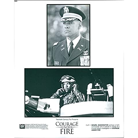 Vintage photo de Denzel Washington retratos en la película valor bajo fuego.