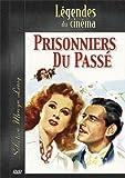 Une romance hollywoodienne dans toute sa splendeur Paula Smith (Greer Garson) est la secrétaire de l'industriel Charles Rainier (Ronald Colman). Elle est aussi sa femme, ce que Charles ignore. Blessé de guerre, il est en effet amnésique et a oublié q...