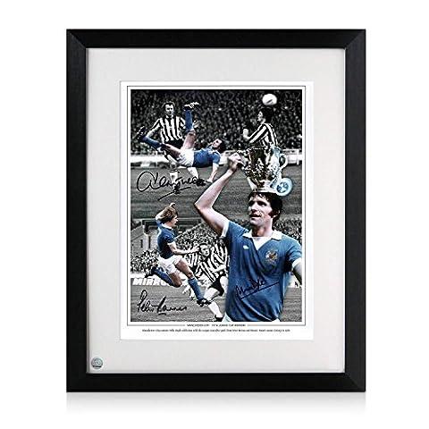 Framed Photograph Manchester City Signé par Mike Doyle, Dennis Tueart et Peter Barnes: Ligue des vainqueurs de coupe