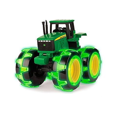 TOMY Spielzeugtraktor John Deere Monster Treads in grün - Traktor mit leuchtenden Rädern in NEON grün - zum Spielen und Sammeln - ab 3 Jahre