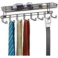 mDesign Perchero de pared con cesta organizadora color bronce - Colgador de collares y accesorios con 8 ganchos - Cuelga collares, aros, joyas, llaves, cinturones, corbatas, chales, pañuelos y más