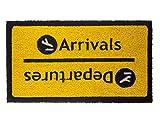 Fisura Felpudo diseño Arrivals Departures, Color Negro con Fondo Mostaza,