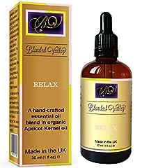 Idea Regalo - Olio Di Relax - Oli Essenziali di Lavanda e Ylang-Ylang in Olio di Albicocca. Per Diffusore di Aromi o Brucia. Aromaterapia per Bagno Rilassante, Per Dare Sollievo Dallo Stress e Favorire il Sonno.