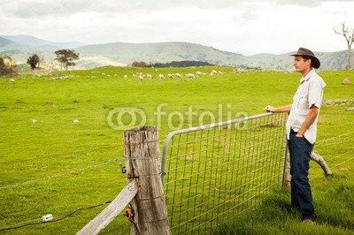druck-shop24 Wunschmotiv: Aussie farmer looking out over a sheep paddock #120432148 - Bild als Klebe-Folie - 3:2-60 x 40 cm/40 x 60 cm -