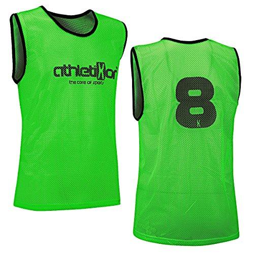 12 Fußballleibchen mit Rückennummern - Trainingsleibchen - Leibchen - Markierungshemden von athletikor (Grün, Bambinis / E Jugend S: 50X44CM)