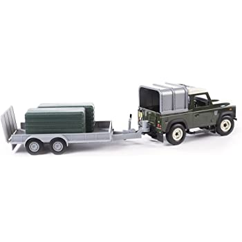 Britains Big Farm 1:16 Toy Land Rover and General Purpose Trailer Collectable Farm Toy