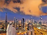 Posterlounge Leinwandbild 160 x 120 cm: Arabischer Mann blickt über Dubai von Editors Choice - fertiges Wandbild, Bild auf Keilrahmen, Fertigbild auf echter Leinwand, Leinwanddruck