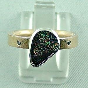 Goldring mit spitzen Koroit Boulder Opal und schwarzen Diamanten