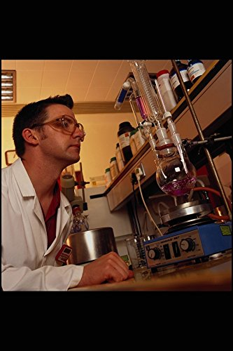 686047 Scientist Monitoring Chemical Synthesis Step Research Lab A4 Photo Poster Print 10x8 Libby Lab