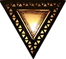 Lampara de pared con forma triangular de Henna marroquí color crema Ancho 35 Altura 35 Diámetro 15 cm