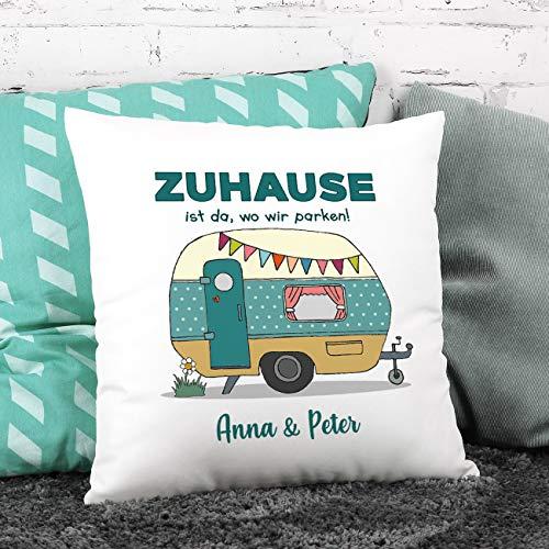 Herz & Heim® Deko-Kissen für Camper – Zuhause ist da, wo wir parken! – mit Gratis Druck Ihres Wunschtextes