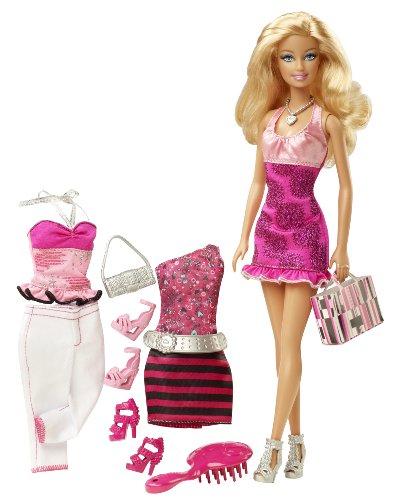 Mattel 160032 Barbie - Bambola Con Abiti Esclusivi
