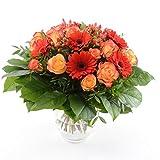Blumenversand vom Besten! - unser Blumenstrauß - Orange Fire! mit 15 rot-orangen Rosen & Gerbera - mit Gratis - Grußkarte versenden