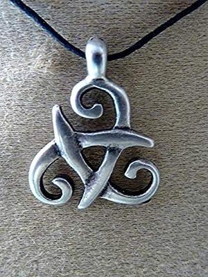 pendentif, collier celtique, noeud celtique, médiéval