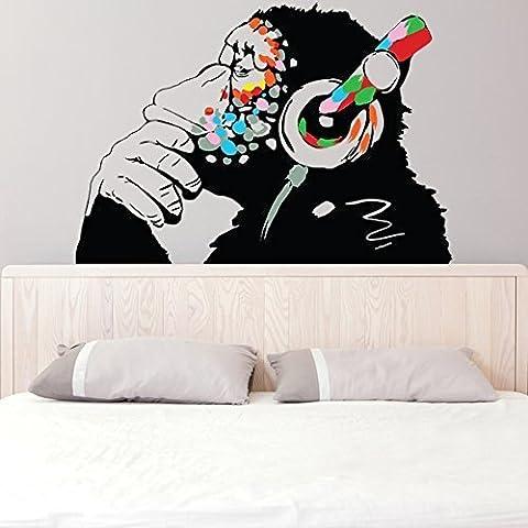 Banksy Décalque Mural Vinyle Singe Avec écouteurs / Chimp écoute to the Musique en Écouteurs / Street Graffiti Art Sticker + Gratuit Cadeau De Décalque - 100x69 cm