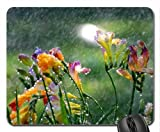 Freesie in the Rain Mauspad, Mousepad (Blumen Mauspad)