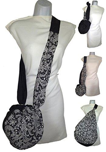 Mode Stoffbeutel. Schwarz und zeichnungen spitze. Kleine Tasche, die riesig wird. Anziehen, für den Strand, für den Kauf. Für den Helm Waschbare Kuriertasche