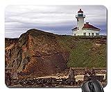 Strandthema Gaming-Mauspad, Leuchtturm auf Einer Klippe über Einem Strand Mauspad, Mousepad (Leuchttürme Mauspad)