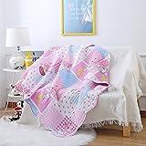 Questo set di biancheria da letto Ustide ha un design alla moda, elegante e accattivante. Ma non è solo di aspetto gradevole: è anche molto confortevole, grazie al tessuto in 100% cotone di alta qualità. Inoltre, si pulisce facilmente: il pro...