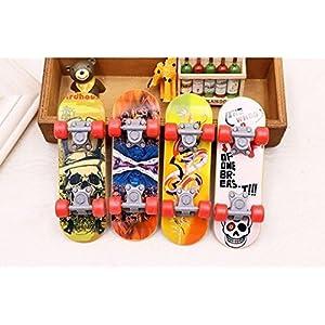 UChic 4 STÜCKE Mini Finger Skateboards Glatt Rutschfeste Griffbrett Jungen Mädchen Erwachsene Spielzeug Finger Skate Spielzeug Geschenk Zufällige Farbe muster