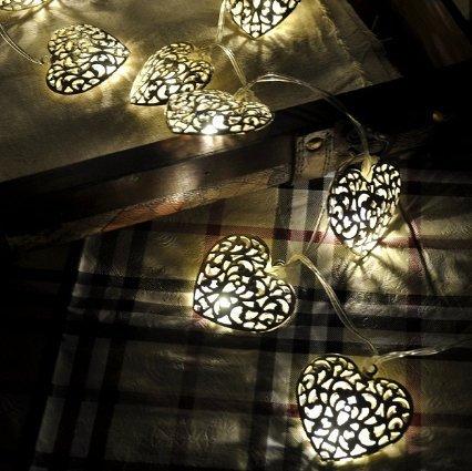 Cadena de luces con 20 ledes, con corazones de metal, pilas e interruptor Cadena de luces led decorativa de alta calidad para interior, de LED-Lichtshop. - plata