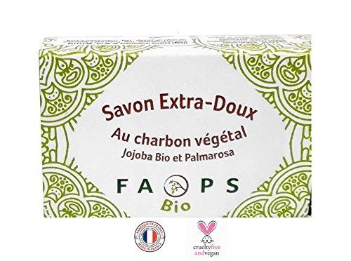 Savon Vegan au Charbon Végétal Actif enrichi à L' Huile de Jojoba et Palmarosa BIO, fait à la main 100% Naturel et Végétal Made in France.Sans Sulfates, Silicones , Parabens, EDTA, MIT, Alcool, Colorants, phénoxyéthanol, OGM, nano-particules, huiles minérales, huile de palme matières issues de pétrochimie, Certifié non testé sur les animaux- 100 G