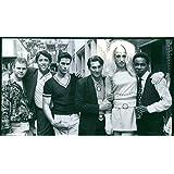 "Vintage Foto de fundido de la película ""Kiss Me, Guido, domenick lombardozzi, Christopher Lawford, Nick Scotti, Anthony barrile, Craig Chester Dwight Ewell de y."