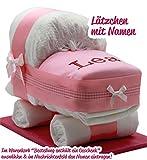 Windeltorte / Windelwagen rosa für Mädchen – inkl. besticktem Lätzchen mit Wunschname + gratis Grußkärtchen