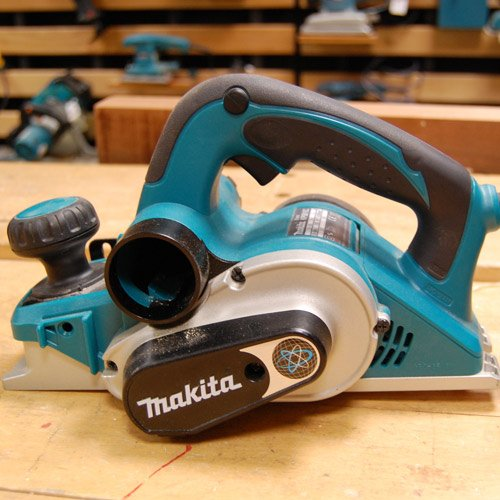 Makita 240V 3-inch/ 82mm Planer with Carry Case
