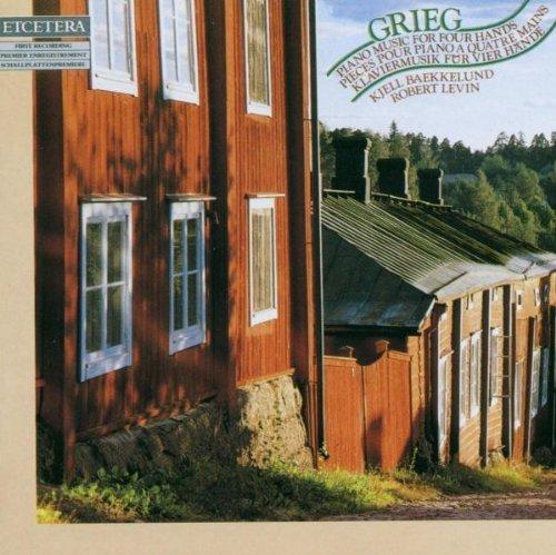 Edvard Grieg: Piano Music for Four Hands- Norwegian Dances / Old Norwegian Romance by Kjell Baekkelund (2006-10-01)