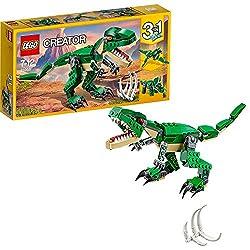 Mit diesem bedrohlichen T-Rex in den Farben Dunkelgrün und Beige und mit leuchtend orangen Augen kannst du den Boden erzittern lassen. Wenn du sein Maul aufklappst, kommen rasiermesserscharfe Zähne zum Vorschein. Seine gewaltigen Klauen lassen sich e...