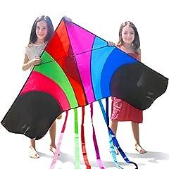 Idea Regalo - Tomi Kite – Grandissimo Aquilone Arcobaleno Ideale per Bambini e Adulti – Facile da Lanciare con Vento Forte o una Brezza Leggera – Largo 150cm – 100 Metri di Cavo – 6 Code – Costruito per Durare – Fantastico per il Divertimento della Famiglia