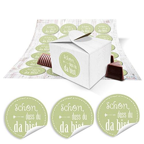 24 kleine weiße Geschenkboxen Geschenkverpackung Geschenkschachteln 8 x 6,5 x 5,5 + hell-grün pistazie Aufkleber SCHÖN DASS DU DA BIST für Gastgeschenke zu Hochzeit, Kommunion, Taufe, ….