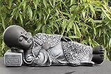 Buddha Figur liegend aus Stein - Schiefergrau, Statue frostsicher und wetterbeständig für Haus und Garten, hergestellt in Deutschland