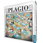 """In Plagio i giocatori devono completare segretamente su un foglio le frasi tratte da opere letterarie, cercando di """"plagiare"""" l'autore e rendendo credibile la propria versione. Ad ogni turno il conduttore pesca una carta, la legge segretamente, scegl..."""