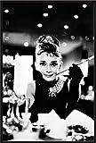 Breakfast At Tiffany's - Audrey Hepburn - Filmposter Kino Movie Audrey Hepburn - Grösse 61x91,5 cm + Wechselrahmen, Shinsuke® Maxi Kunststoff schwarz, Acryl-Scheibe