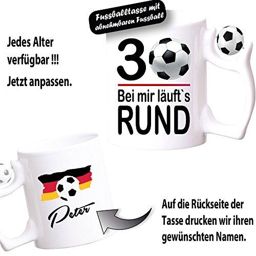 """Fußballtasse Tasse zum Geburtstag """" Läuft Rund"""" 18 20 30 40 50 60 70 80 90 100 Personalisieren Sie ihre Tasse mit Alter und Namen."""