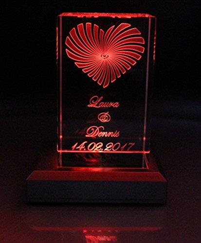 VIP-LASER 3D Glaskristall XL Strahlendes Herz mit Deinem Wunschdatum und Wunschnamen graviert Hochzeit oder zur Verlobung! (+ Leuchtsockel 5 LED Silber)