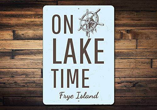 Dozili On Lake Time Schild, personalisierbar, See-Standort, Name, Metall, Dekoration, personalisiertes Schiff, Rad, Boot, Lover, See, Zuhause, Geschenk, Neuheit Aluminium 20,3 x 30,5 cm -