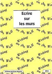 Ecrire sur les murs : Un guide pour la présentation du texte dans une exposition
