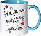 Mister Merchandise Becher Tasse Helden Ohne Umhang Nennt Man Informatiker Kaffee Kaffeetasse liebevoll Bedruckt Beruf Job Geschenk Weiß-Hellblau