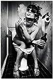 Wallario Acrylglasbild Kloparty - Sexy Frau auf Toilette mit Zigarette und Schnaps - 60 x 90 cm in Premium-Qualität: Brillante Farben, freischwebende Optik